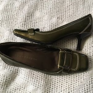 Box toe pumps - size 6